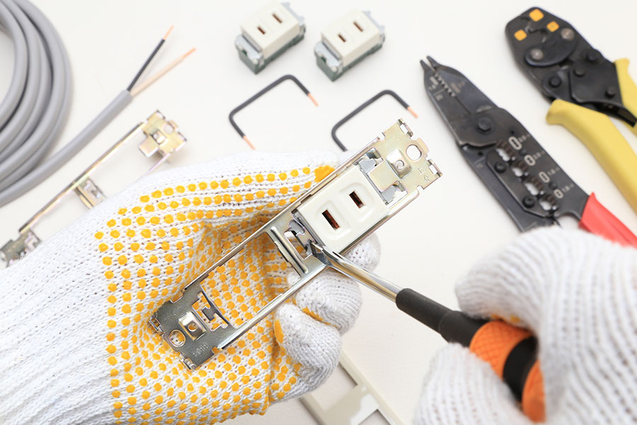 画像:関連各社の電気工事